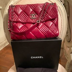 HOST PICK 🥳 Chanel quilted lambskin maxi flap bag